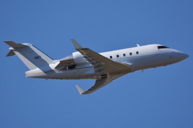 デルタおA330さんが、横田基地で撮影した連邦航空局 CL-600-2B16 Challenger 604の航空フォト(飛行機 写真・画像)