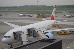 Hiro-hiroさんが、ウィーン国際空港で撮影したオーストリア航空 777-2Z9/ERの航空フォト(飛行機 写真・画像)