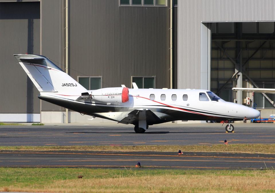 LOTUSさんのオートパンサー Cessna 525 CitationJet (JA525J) 航空フォト