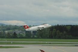 Hiro-hiroさんが、チューリッヒ空港で撮影したスイスインターナショナルエアラインズ Avro 146-RJ100の航空フォト(飛行機 写真・画像)
