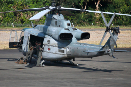 CL&CLさんが、奄美空港で撮影したアメリカ海兵隊 UH-1Yの航空フォト(飛行機 写真・画像)