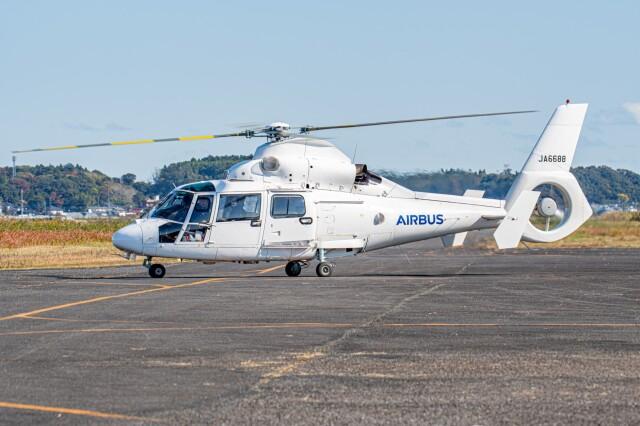 あけみさんさんが、龍ケ崎飛行場で撮影したエアバス・ヘリコプターズ・ジャパン AS365N2 Dauphin 2の航空フォト(飛行機 写真・画像)