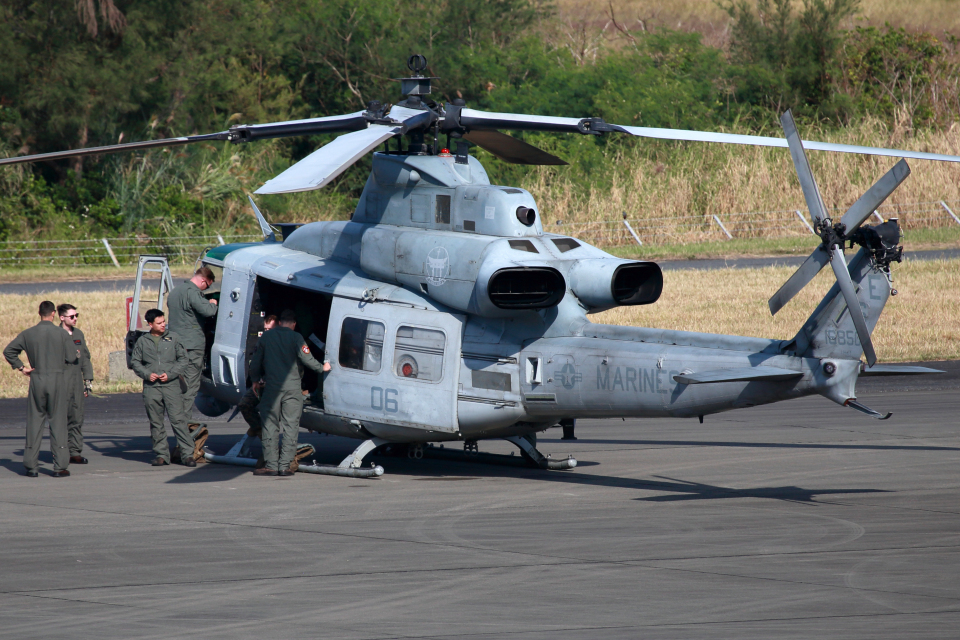 CL&CLさんのアメリカ海兵隊 Bell UH-1 Iroquois / Huey (168501) 航空フォト