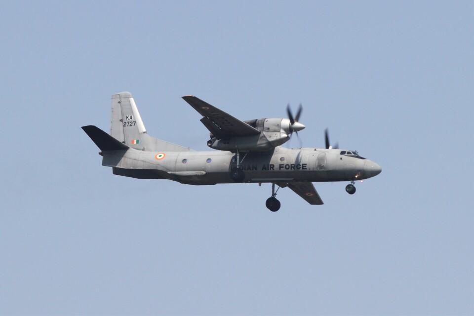 BTYUTAさんのインド空軍 Antonov An-32 (KA2727) 航空フォト