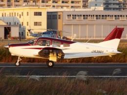 YaoRJOYさんが、八尾空港で撮影した日本航空学園 PA-28-161 Warrior IIの航空フォト(飛行機 写真・画像)