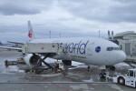 KKiSMさんが、那覇空港で撮影した日本航空 777-246の航空フォト(飛行機 写真・画像)