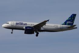 zettaishinさんが、ブラッドレー国際空港で撮影したジェットブルー A320-232の航空フォト(飛行機 写真・画像)