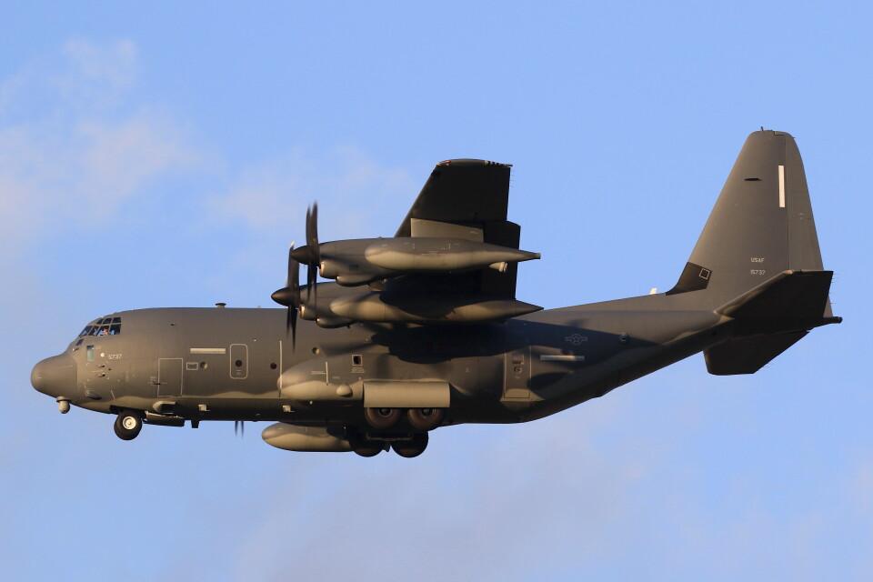 MH-38Rさんのアメリカ空軍 Lockheed Martin C-130 Hercules (11-5737) 航空フォト
