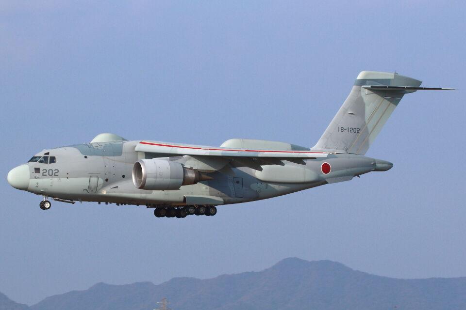 CYGNUS_20-1101さんの航空自衛隊 Kawasaki C-2 (18-1202) 航空フォト