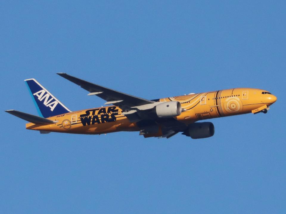丸めがねさんの全日空 Boeing 777-200 (JA743A) 航空フォト