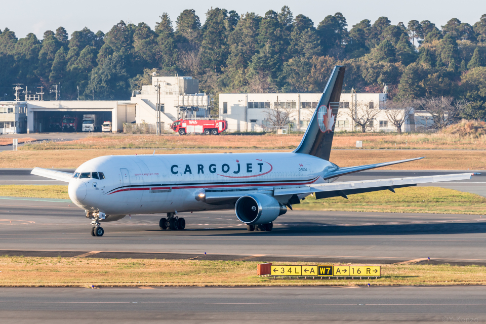 Y-Kenzoさんのカーゴジェット・エアウェイズ Boeing 767-300 (C-GUAJ) 航空フォト