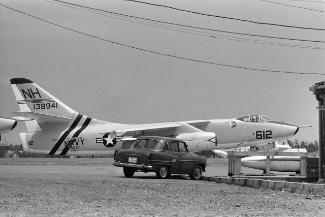 wetwingさんが、厚木飛行場で撮影したアメリカ海軍 KA-3B Skywarriorの航空フォト(飛行機 写真・画像)