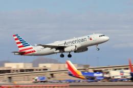キャスバルさんが、フェニックス・スカイハーバー国際空港で撮影したアメリカン航空 A320-232の航空フォト(飛行機 写真・画像)