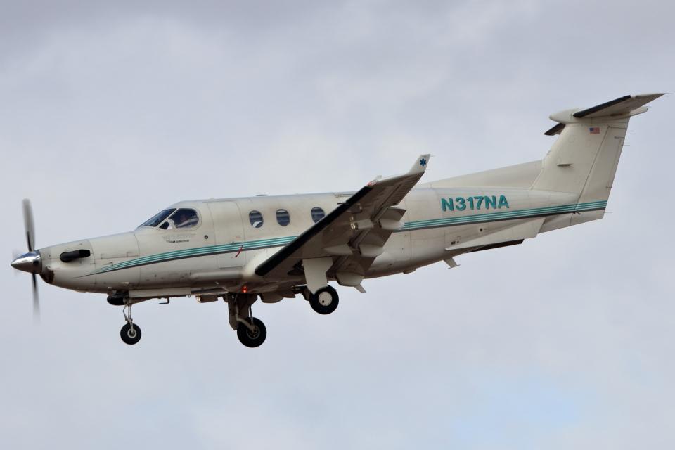 キャスバルさんのNative American Air Ambulance Pilatus PC-12 (N317NA) 航空フォト