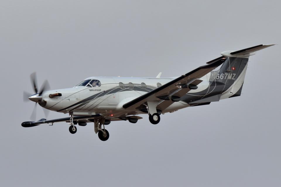 キャスバルさんのDEL NORTE AVIATION Pilatus PC-12 (N667MZ) 航空フォト
