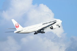 ceskykrumlovさんが、羽田空港で撮影した日本航空 777-289の航空フォト(飛行機 写真・画像)