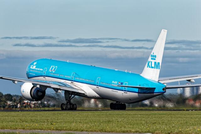 Airliners Freakさんが、アムステルダム・スキポール国際空港で撮影したKLMオランダ航空 777-306/ERの航空フォト(飛行機 写真・画像)