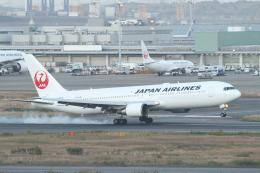ceskykrumlovさんが、羽田空港で撮影した日本航空 767-346/ERの航空フォト(飛行機 写真・画像)