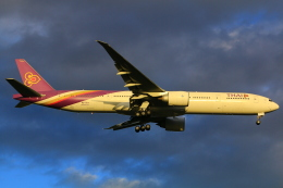 35GK17さんが、成田国際空港で撮影したタイ国際航空 777-3D7/ERの航空フォト(飛行機 写真・画像)