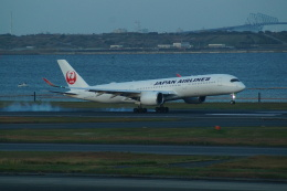 FRTさんが、羽田空港で撮影した日本航空 A350-941の航空フォト(飛行機 写真・画像)