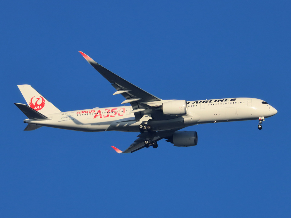 丸めがねさんの日本航空 Airbus A350-900 (JA01XJ) 航空フォト