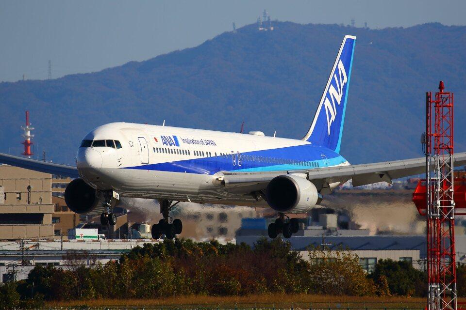 khideさんの全日空 Boeing 767-300 (JA615A) 航空フォト