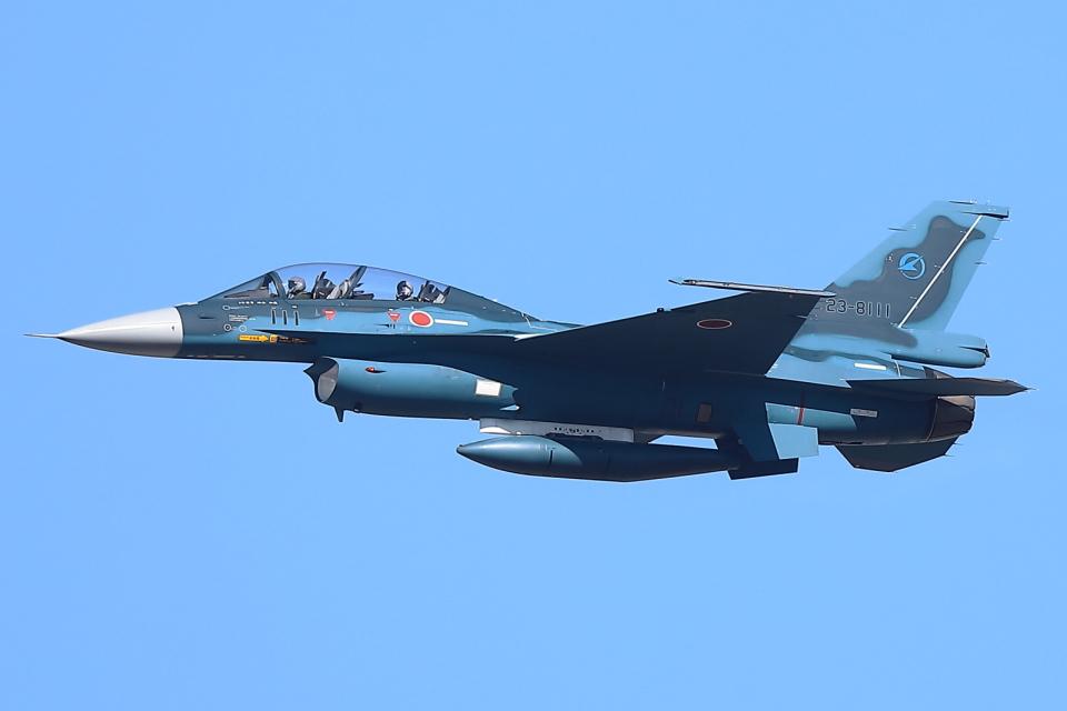 levo2735さんの航空自衛隊 Mitsubishi F-2B (23-8111) 航空フォト