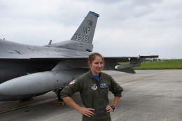 エルさんが、横田基地で撮影したアメリカ空軍 F-16CM-40-CF Fighting Falconの航空フォト(飛行機 写真・画像)