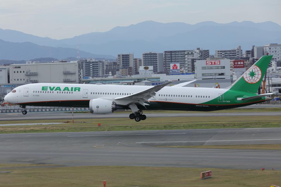DBACKさんのエバー航空 Boeing 787-10 (B-17805) 航空フォト