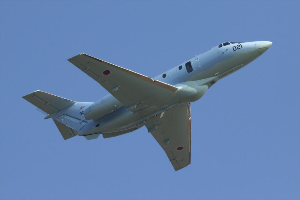 Mochi7D2さんの航空自衛隊 Raytheon U-125A (32-3021) 航空フォト