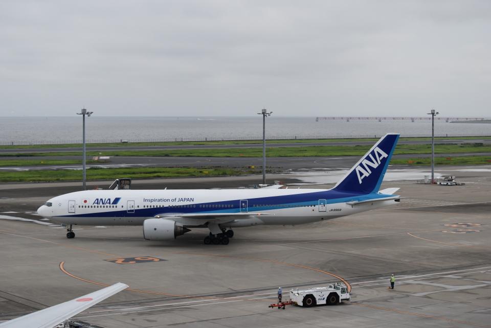 うめたろうさんの全日空 Boeing 777-200 (JA8969) 航空フォト