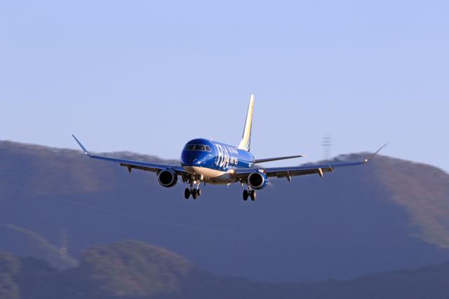 Assk5338さんが、松本空港で撮影したフジドリームエアラインズ ERJ-170-200 (ERJ-175STD)の航空フォト(飛行機 写真・画像)