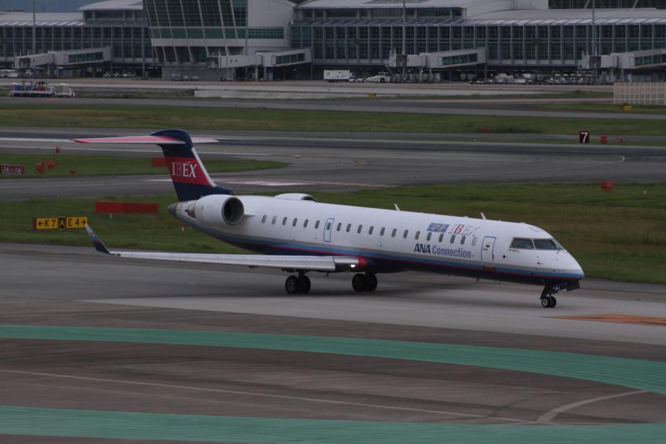 Mr.boneさんのアイベックスエアラインズ Bombardier CRJ-700 (JA11RJ) 航空フォト