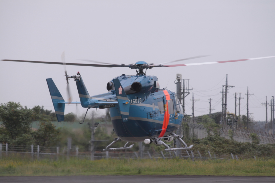 Mr.boneさんの千葉県警察 Kawasaki BK117 (JA6815) 航空フォト