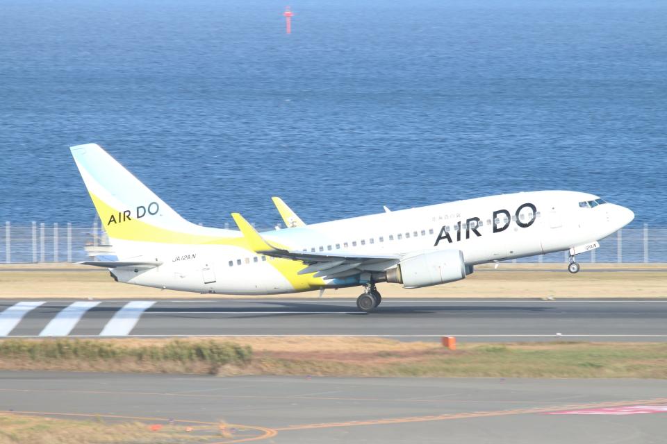 ceskykrumlovさんのAIR DO Boeing 737-700 (JA12AN) 航空フォト