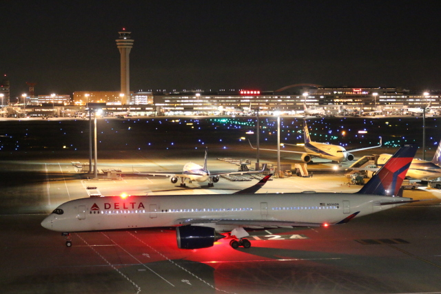 ceskykrumlovさんが、羽田空港で撮影したデルタ航空 A350-941の航空フォト(飛行機 写真・画像)