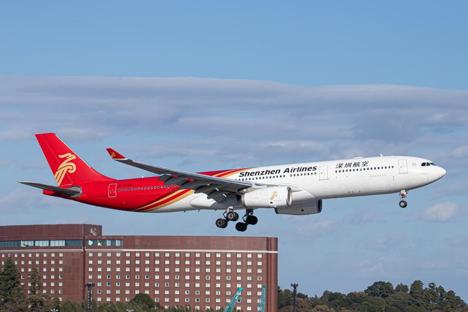 SGR RT 改さんの深圳航空 Airbus A330-300 (B-302E) 航空フォト