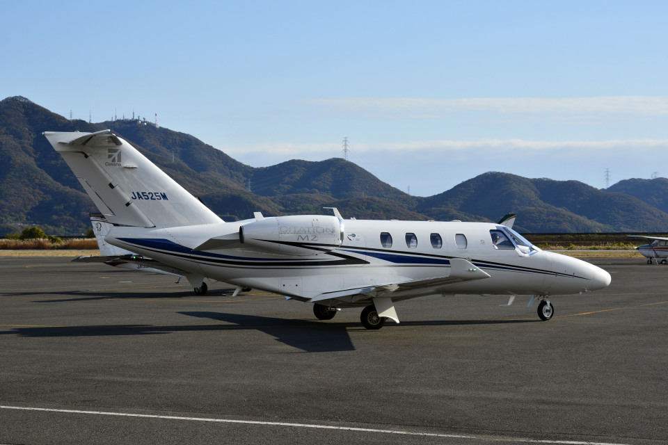 Gambardierさんのグラフィック Cessna 525 CitationJet (JA525M) 航空フォト