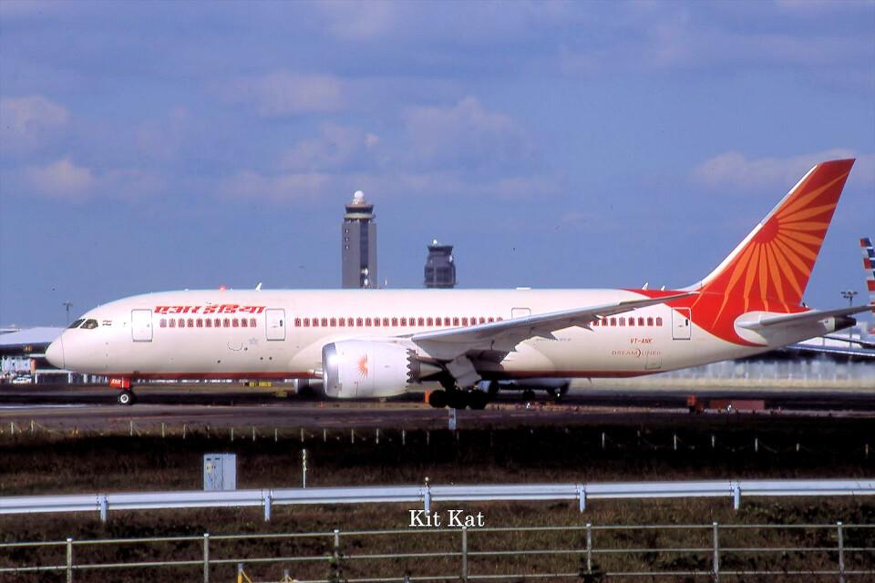 キットカットさんのエア・インディア Boeing 787-8 Dreamliner (VT-ANK) 航空フォト