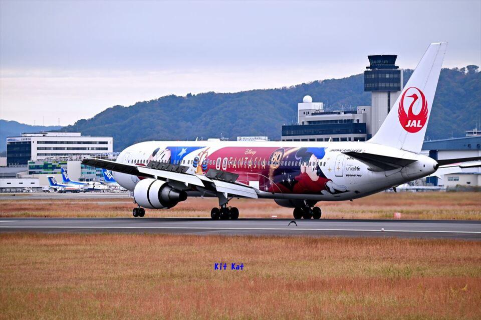 キットカットさんの日本航空 Boeing 767-300 (JA622J) 航空フォト