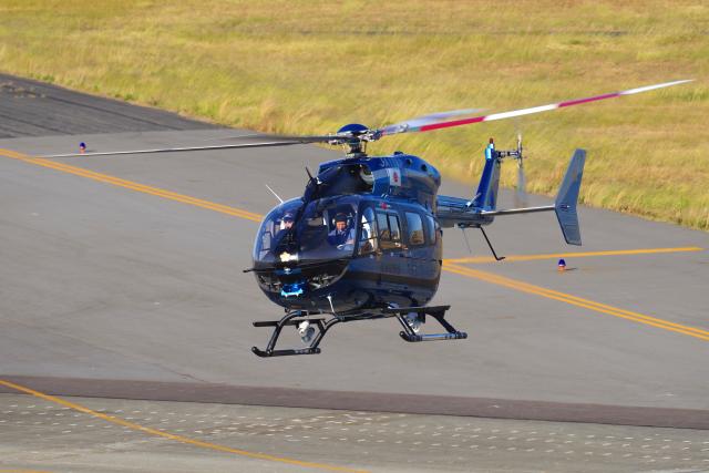 yabyanさんが、名古屋飛行場で撮影した愛知県警察 BK117C-2の航空フォト(飛行機 写真・画像)
