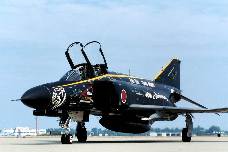 wetwingさんの航空自衛隊 Mitsubishi F-4EJ Kai Phantom II (67-8384) 航空フォト