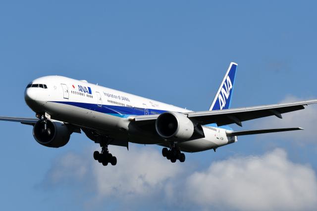 panchiさんが、成田国際空港で撮影した全日空 777-381/ERの航空フォト(飛行機 写真・画像)