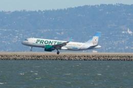 小弦さんが、サンフランシスコ国際空港で撮影したフロンティア航空 A320-251Nの航空フォト(飛行機 写真・画像)