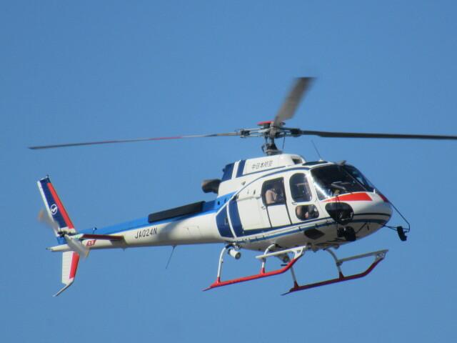 ランチパッドさんが、静岡ヘリポートで撮影した中日本航空 AS350B3 Ecureuilの航空フォト(飛行機 写真・画像)