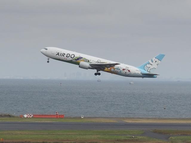ayabehomaさんが、羽田空港で撮影したAIR DO 767-381の航空フォト(飛行機 写真・画像)