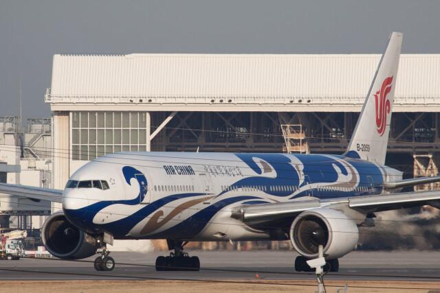 Kaaazさんが、成田国際空港で撮影した中国国際航空 777-2J6の航空フォト(飛行機 写真・画像)
