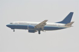 NIKEさんが、ドバイ国際空港で撮影したイースト・エア 737-3B7の航空フォト(飛行機 写真・画像)
