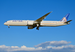 航空フォト:N12005 ユナイテッド航空 787-10
