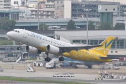 B747‐400さんが、福岡空港で撮影したバニラエア A320-214の航空フォト(飛行機 写真・画像)